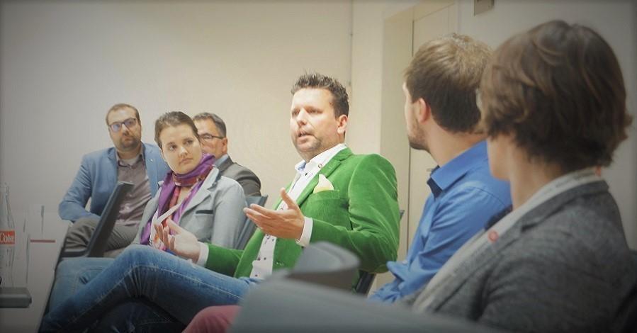 Sichtbarkeit und Kultur Schwerpunkte beim ersten Netzwerk-Treffen Kommunikation